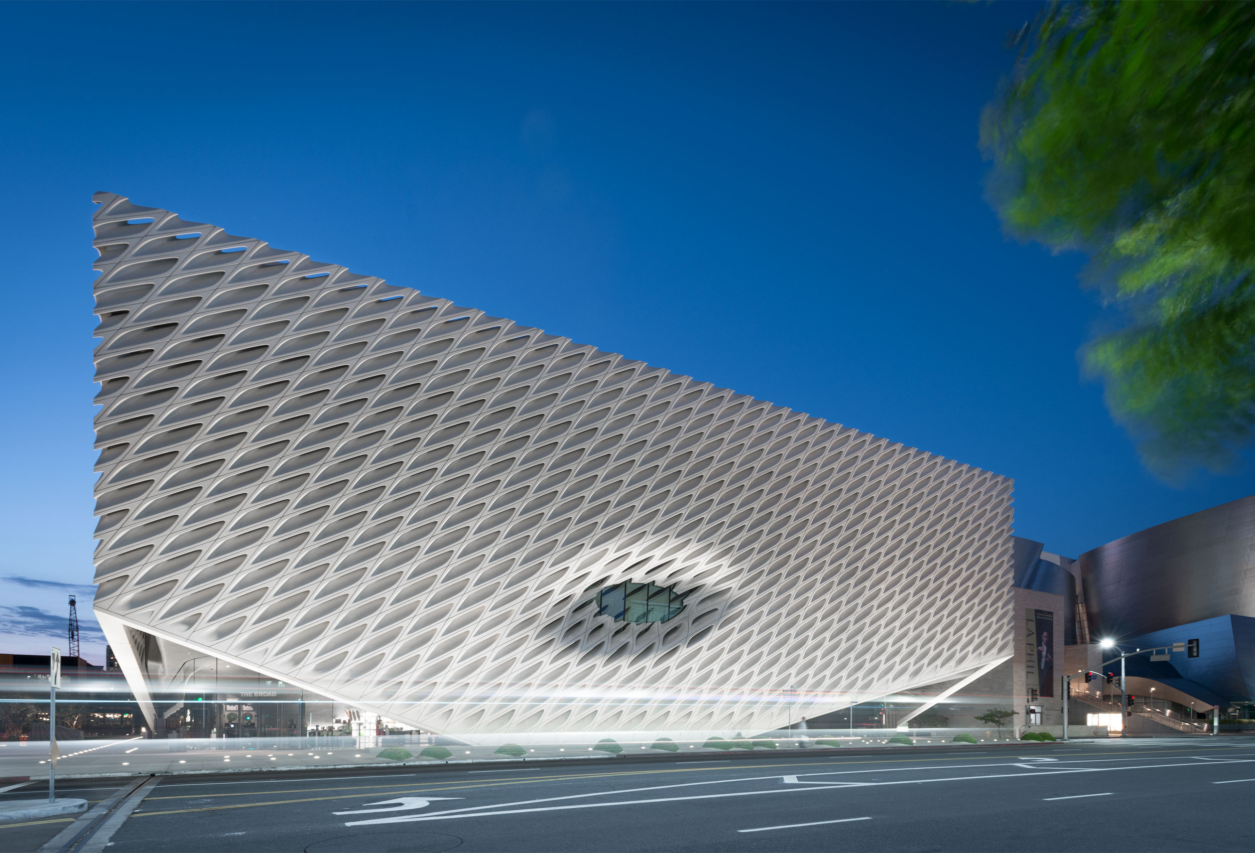 Broad Museum by architectural photographer Kristopher Grunert