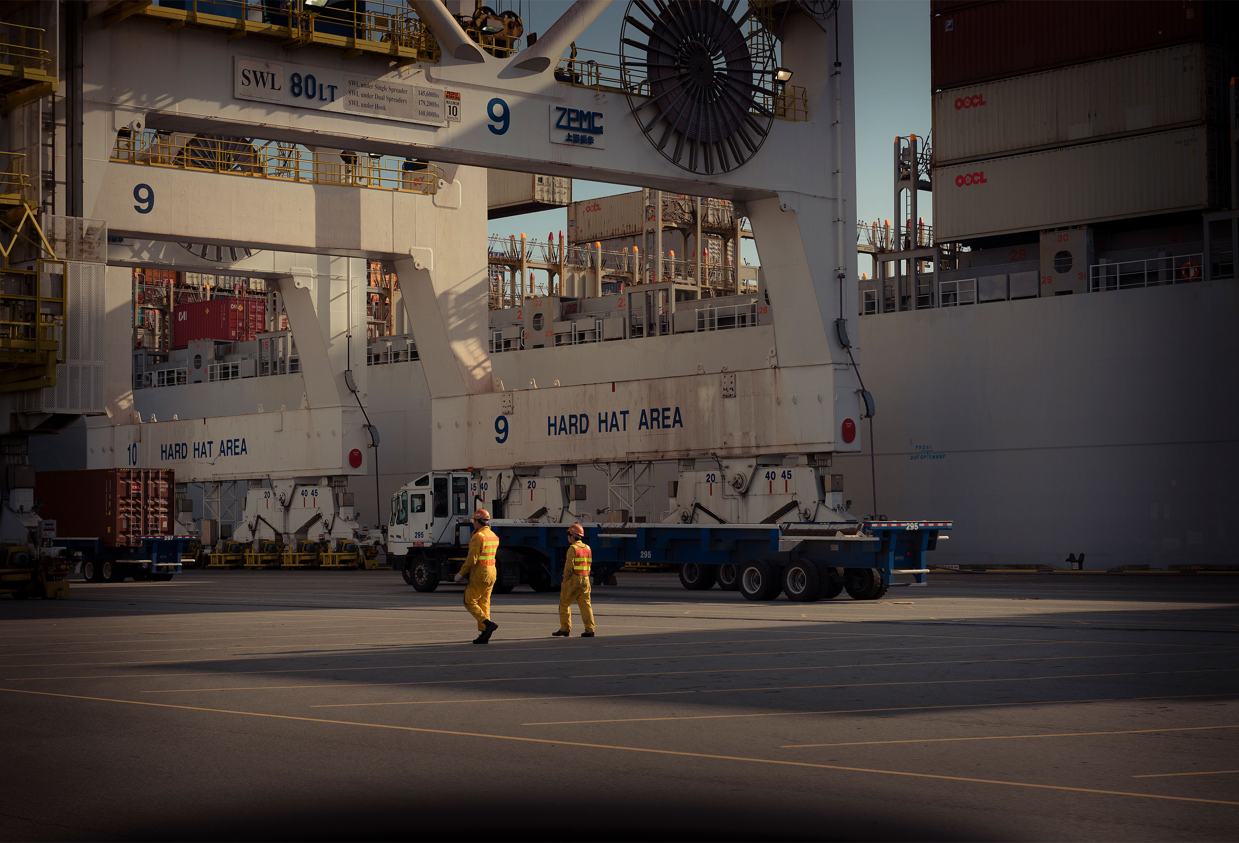 Shipping port by corporate industrial photographer Kristopher Grunert